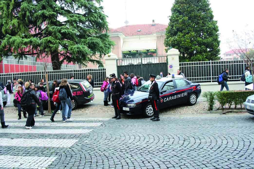 Droga a scuola: un arresto e serrati controlli dei Carabinieri