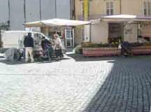 """In piazza Cesare Battisti c'è il mercato """"contadino"""""""