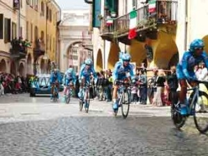 Giro a Savigliano