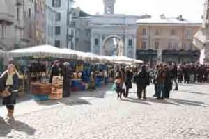 mercato nuovo piazza santarosa