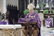 Pochi preti, la Chiesa cambia