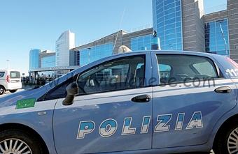 aeroporto-levaldigi-polizia