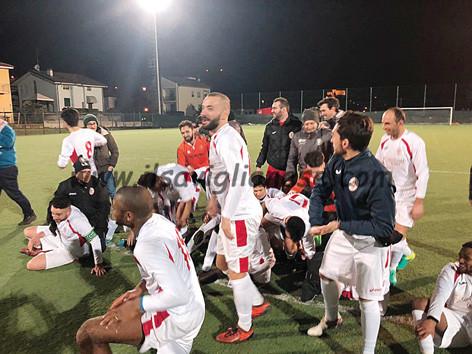 I Reds brindano in Coppa